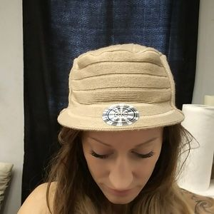 NWT Tan fall/winter/spring hat 🆓🎁w.ea purchase
